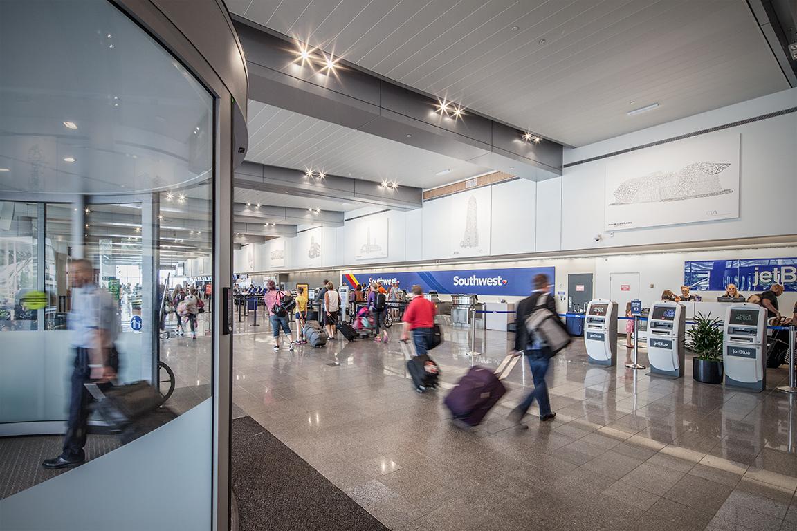 cleveland_hopkins_airport_05